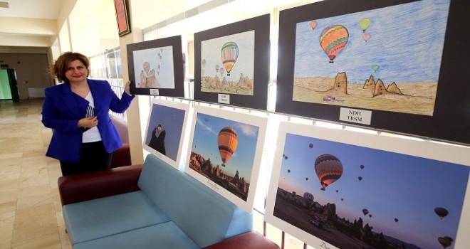 Ödüllü fotoğrafçı hemşire çekiyor hastaları renklendiriyor