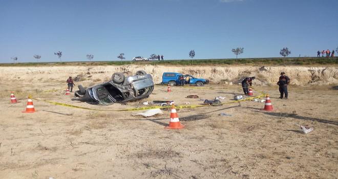 Aksaray'da otomobil şarampole devrildi: 1 ölü, 3 yaralı