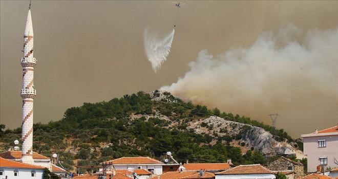 İzmir'de yangın durdurulamıyor...