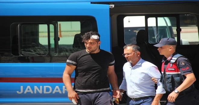 Kavgada üzerine traktör sürülen kişi öldü, babası yaralandı