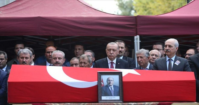 Prof. Dr. Ahmet Haluk Dursun, son yolculuğuna uğurlandı