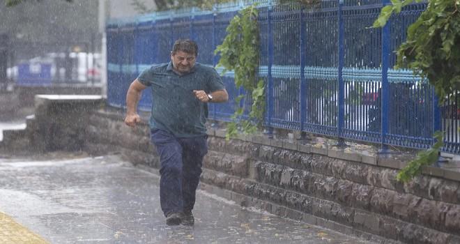 Ankara ve Kırıkkale'de yoğun sağanak...