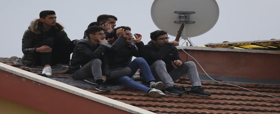 Çatıda Galatasaray-Keçiörengücü maçı keyfi