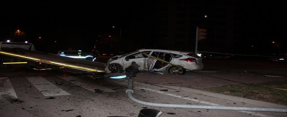 Otomobil polis aracına çarptı: 1 polis şehit 4 yaralı