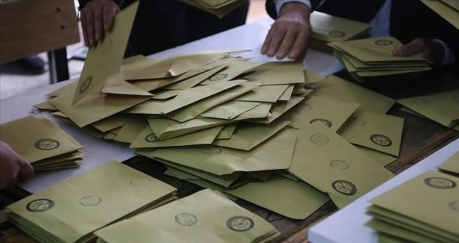 Ankara'da tüm sandıkların yeniden sayımı için AK Parti başvurdu