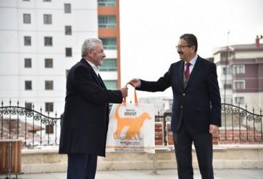 """Veysel Tiryaki, Başkentte """"bez torba akımı""""nın öncüsü oldu"""
