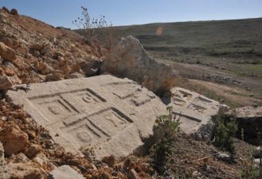 Tahrip edilen tarihi eserler koruma altına alınıyor...