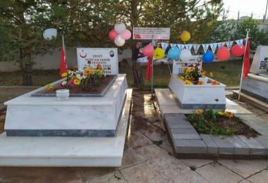 Şehit bebeğin mezarı balonlarla süslendi...