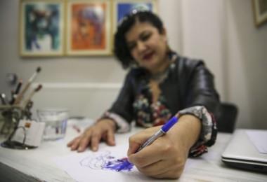 Sağ eli kırılan ressamdan sol elle 50 resim