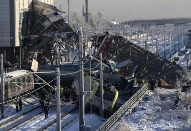 Ankara'da ki tren kazasından çarpıcı fotoğraflar...