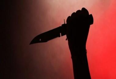 DEHŞET! Genç kız babasını bıçaklayarak öldürdü...