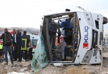 İşçi minübüsü devrildi: 20 yaralı