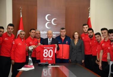 Bahçeli, Ampute Milli Futbol Takımını kabul etti