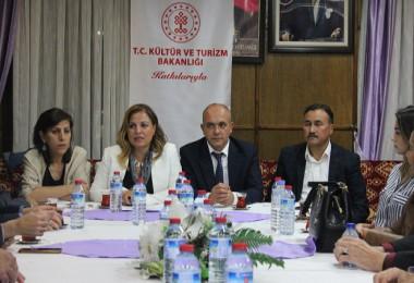 Ankara Türkülerine sahip çıkmalıyız