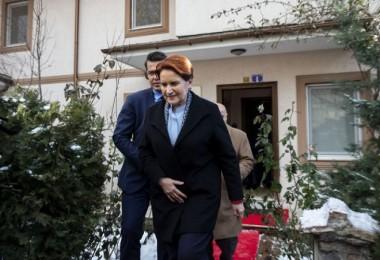 Akşener'den Şenel ailesine taziye ziyareti...